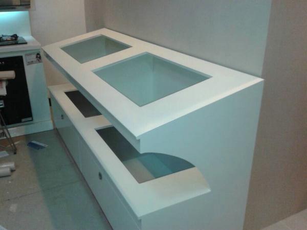 厨具定制展柜和记电讯