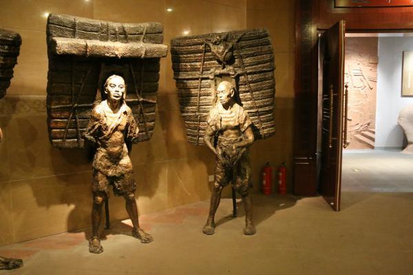 人物造型铜雕塑